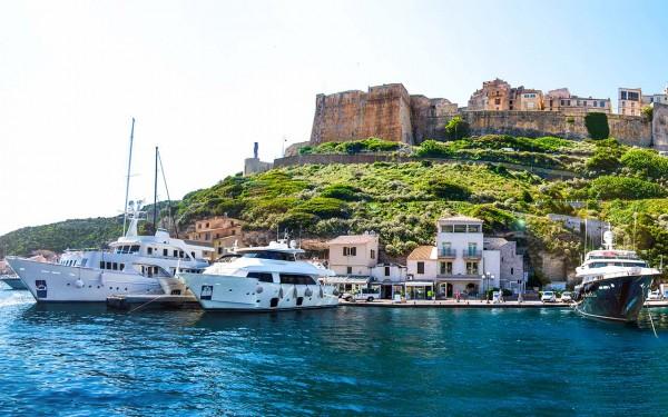 Yachtman holidays heritage tour