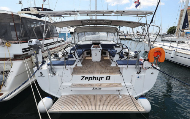 """Oceanis 51.1, """"Zephyr B"""" with A/C and generator"""
